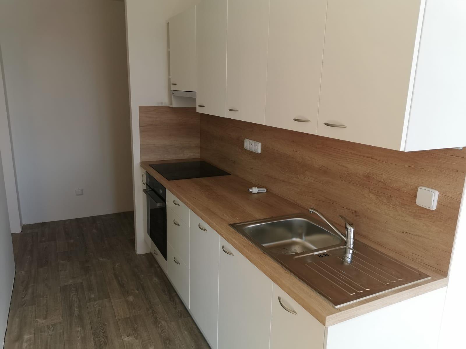 rekonstrukce kuchyně Brno levně